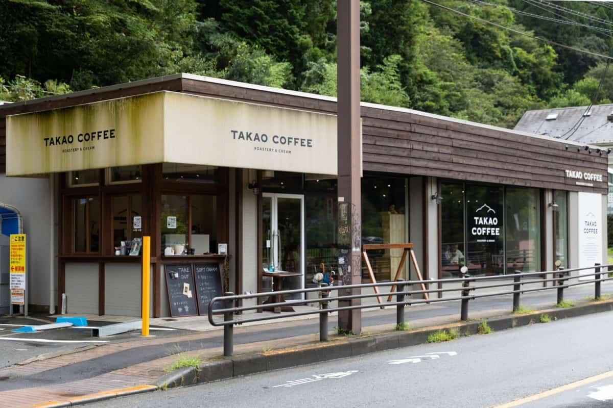 TAKAO COFFEE 外観 コインパーキング